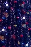 Weihnachtsbaum und Leuchtehintergrund Stockfotografie