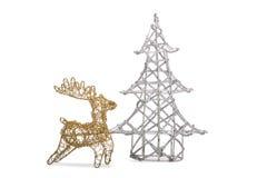Weihnachtsbaum und Ren Stockfotos