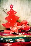 Weihnachtsbaum und rote Dekorationen lizenzfreies stockbild
