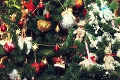 Weihnachtsbaum verzierte neues Jahr der Spielwaren Stockfotos