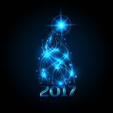 Weihnachtsbaum von den Farbbändern Das blaue Glühen der Weihnachtslichter Feier 2017 Auch im corel abgehobenen Betrag Stockfoto