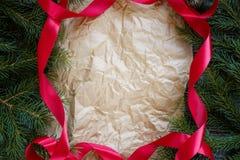 Weihnachtsbaumast-Rahmen-Papier lizenzfreie stockfotografie