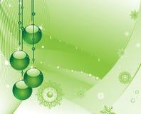Weihnachtsbaumdekorationen auf einem grünen Hintergrund Stockfotografie