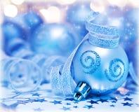 Weihnachtsbaumflitterverzierung und -dekoration Stockbild