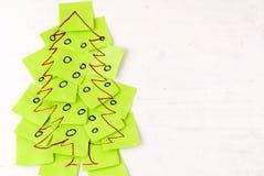 Weihnachtsbaumhaftnotiz lizenzfreies stockfoto
