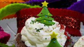 Weihnachtsbaumkleine kuchen stockbild