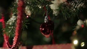 Weihnachtsbaumspielwaren stock video footage