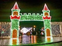 Weihnachtsbeleuchtung im Park von Bukarest Stockfoto