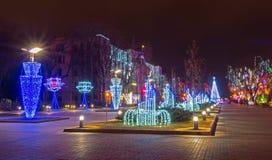 Weihnachtsbeleuchtungen im Freien Stockbild