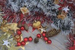 Weihnachtsbild mit Rot und Goldspielwaren Lizenzfreies Stockfoto