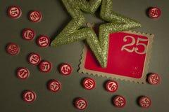 Weihnachtsbingo nummeriert flache Art Stockbilder