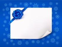 Weihnachtsblauer Hintergrund mit Blatt Papier Stockfoto