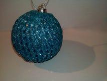 Weihnachtsblauspielzeug lizenzfreies stockfoto
