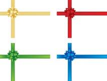 Weihnachtsbogen und -farbbänder Lizenzfreie Stockfotos