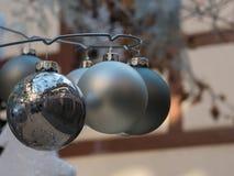 Weihnachtsdekoration auf den Straßen von Colmar Stockbild