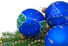 Weihnachtsdekoration auf weißem Hintergrund lizenzfreie stockfotos