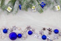 Weihnachtsdekoration, -BLAU, -GRÜN, -silber und -WEISS Stockfoto