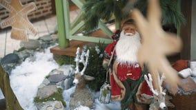 Weihnachtsdekoration des Einkaufszentrums Hintergrund des neuen Jahres und des Weihnachten stock footage