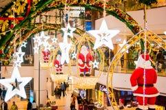 Weihnachtsdekoration in einem Einkaufszentrum in Indien Stockfoto