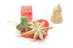 Weihnachtsdekoration getrennt auf dem weißen Hintergrund stockbild