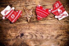 Weihnachtsdekoration, hölzerner Hintergrund Stockfotografie