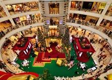 Weihnachtsdekoration im Einkaufszentrum Stockfotografie