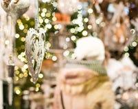 Weihnachtsdekoration im Markt in Salzburg Stockfotografie