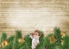 Weihnachtsdekoration mit Engel und Tannenzweigen Stockfotografie