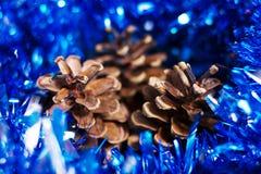 Weihnachtsdekoration mit Kegel Lizenzfreies Stockbild