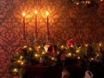 Weihnachtsdekoration mit Kerzen Stockfotografie