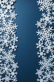 Weihnachtsdekoration mit Schneeflocken Stockfotos