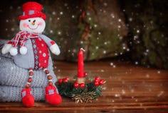 Weihnachtsdekoration mit Schneemann stockbilder