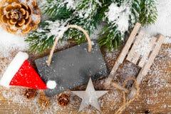 Weihnachtsdekoration mit Weihnachtsstöcken Stockfoto