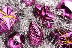 Weihnachtsdekorationen auf Blau Lizenzfreie Stockfotografie