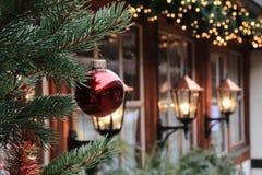 Weihnachtsdekorationen auf der Straße von Nürnberg (Bayern) Lizenzfreies Stockfoto