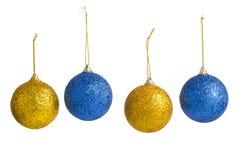 Weihnachtsdekorationen auf einem weißen Hintergrund Lizenzfreies Stockfoto