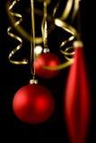 Weihnachtsdekorationen auf Schwarzem Stockfotografie