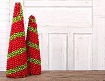 Weihnachtsdekorationen gebildet von den Beeren Stockbild