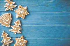 Weihnachtsdekorationen gemacht vom Lebkuchen Lizenzfreie Stockfotografie