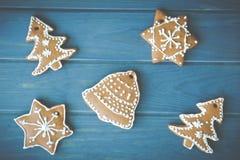 Weihnachtsdekorationen gemacht vom Lebkuchen Lizenzfreies Stockbild