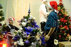 Weihnachtsdekorationen im polnischen Shop Stockfotografie