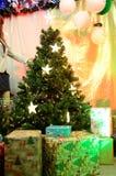 Weihnachtsdekorationen im polnischen Shop Lizenzfreie Stockfotografie