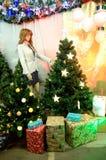 Weihnachtsdekorationen im polnischen Shop Lizenzfreie Stockbilder
