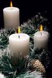 Weihnachtsdekorationen mit Kerzen Stockbilder
