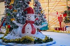 Weihnachtsdekorationen mit Schneemann Stockfoto