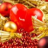 Weihnachtsdekorationen, rotes Herz Lizenzfreie Stockfotos