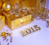 Weihnachtsdekorationen und goldene Zahlen Lizenzfreie Stockfotografie
