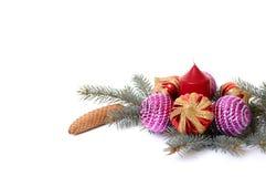 Weihnachtsdekorationen und Zweig des Tannenbaums #2. Lizenzfreie Stockfotografie