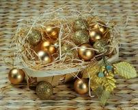 Weihnachtsdekorationkorb Lizenzfreie Stockfotos