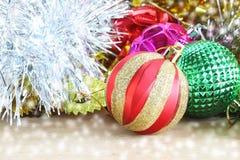 Weihnachtsdekorations-hölzerner Hintergrund Dekorationen hölzern Vintag Stockfoto